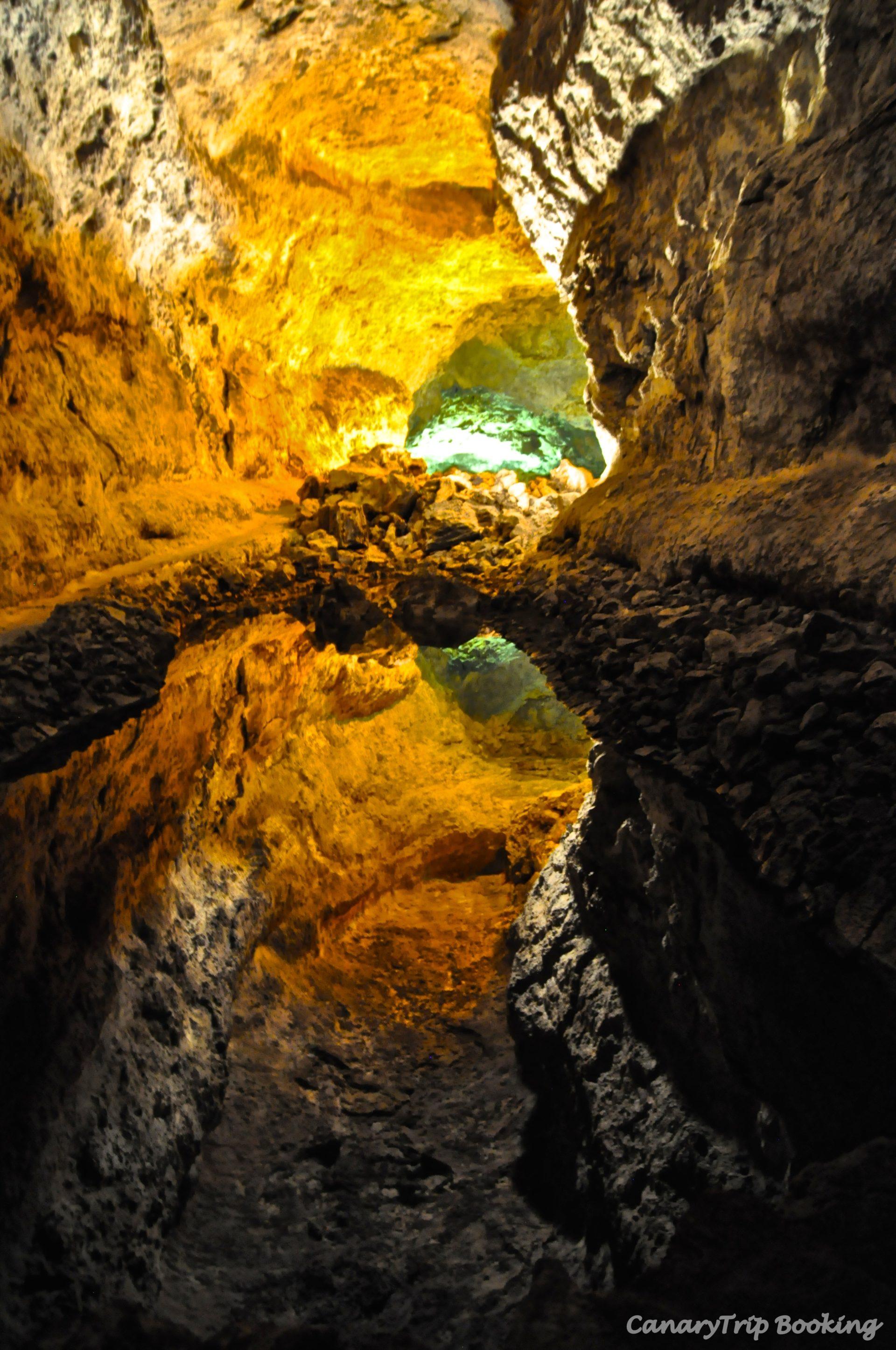 iluminacion-cueva-de-los-verdes-canary-trip-booking