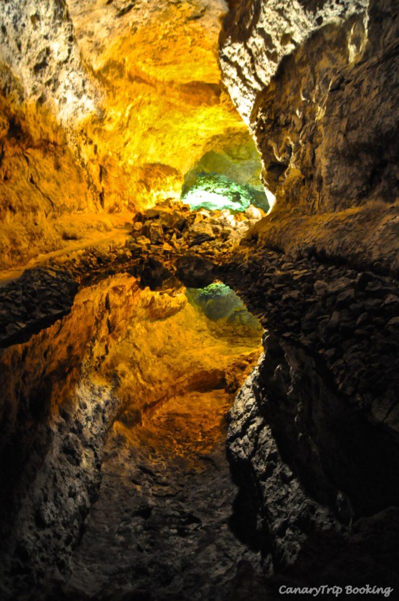 cueva-de-los-verdes-canary-trip-booking