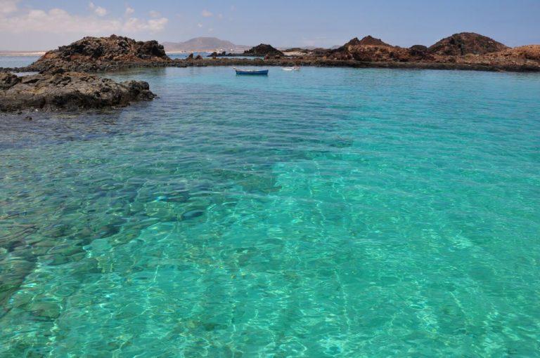 aguas turquesa isla de lobos lanzarote canary trip booking