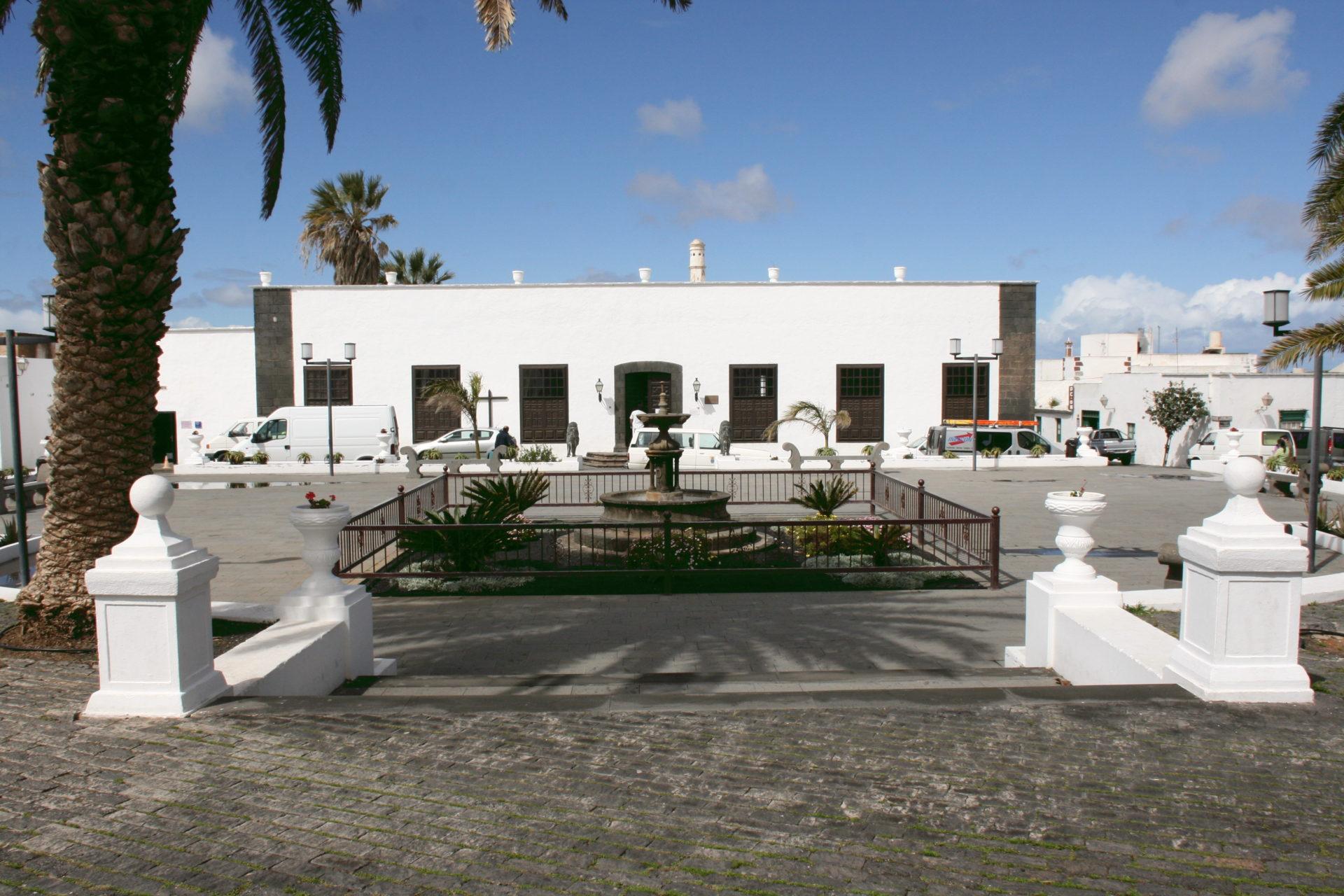 Teguise_Plaza_de_la_Constitución_Casa_Museo_Palacio_Spinola