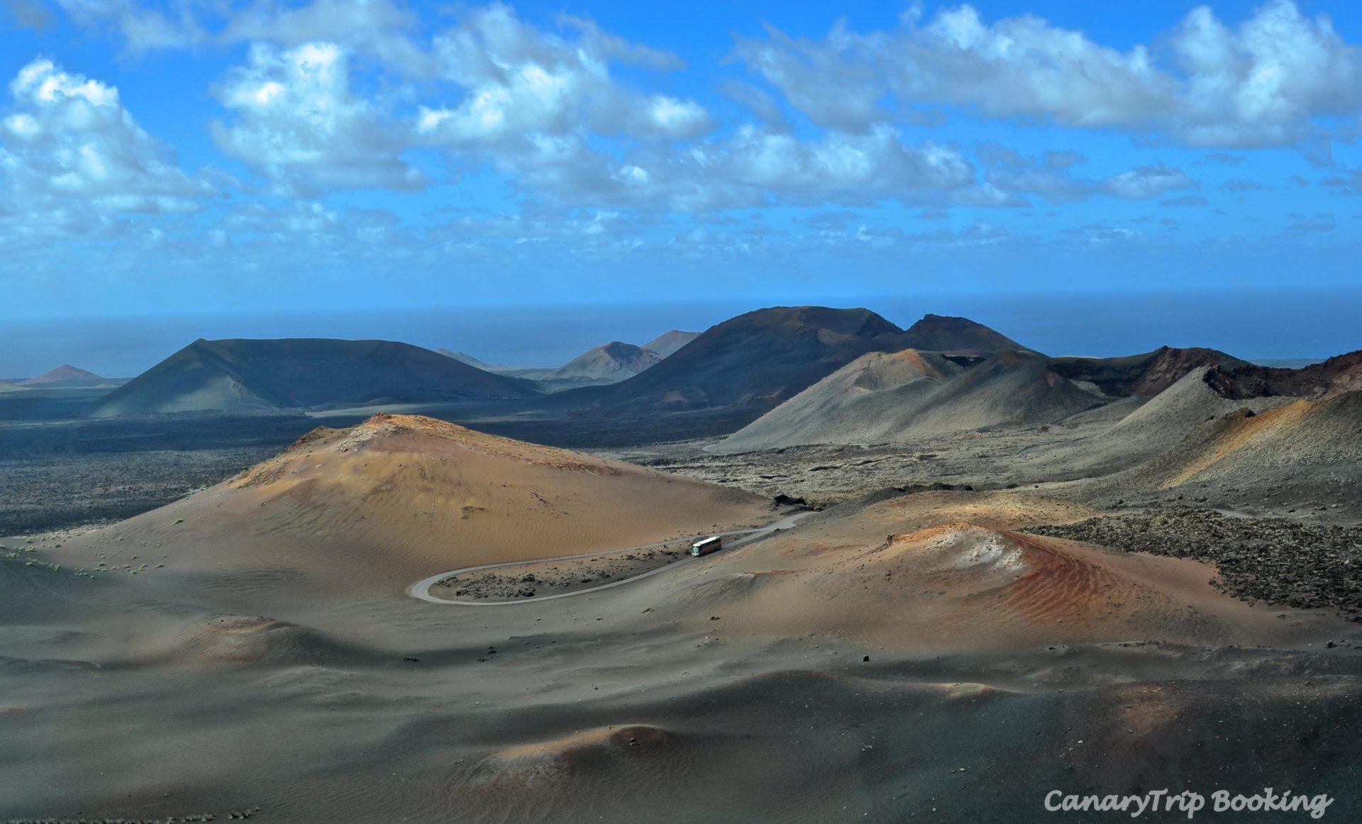 vista-panoramica-timanfaya-canary-trip-booking
