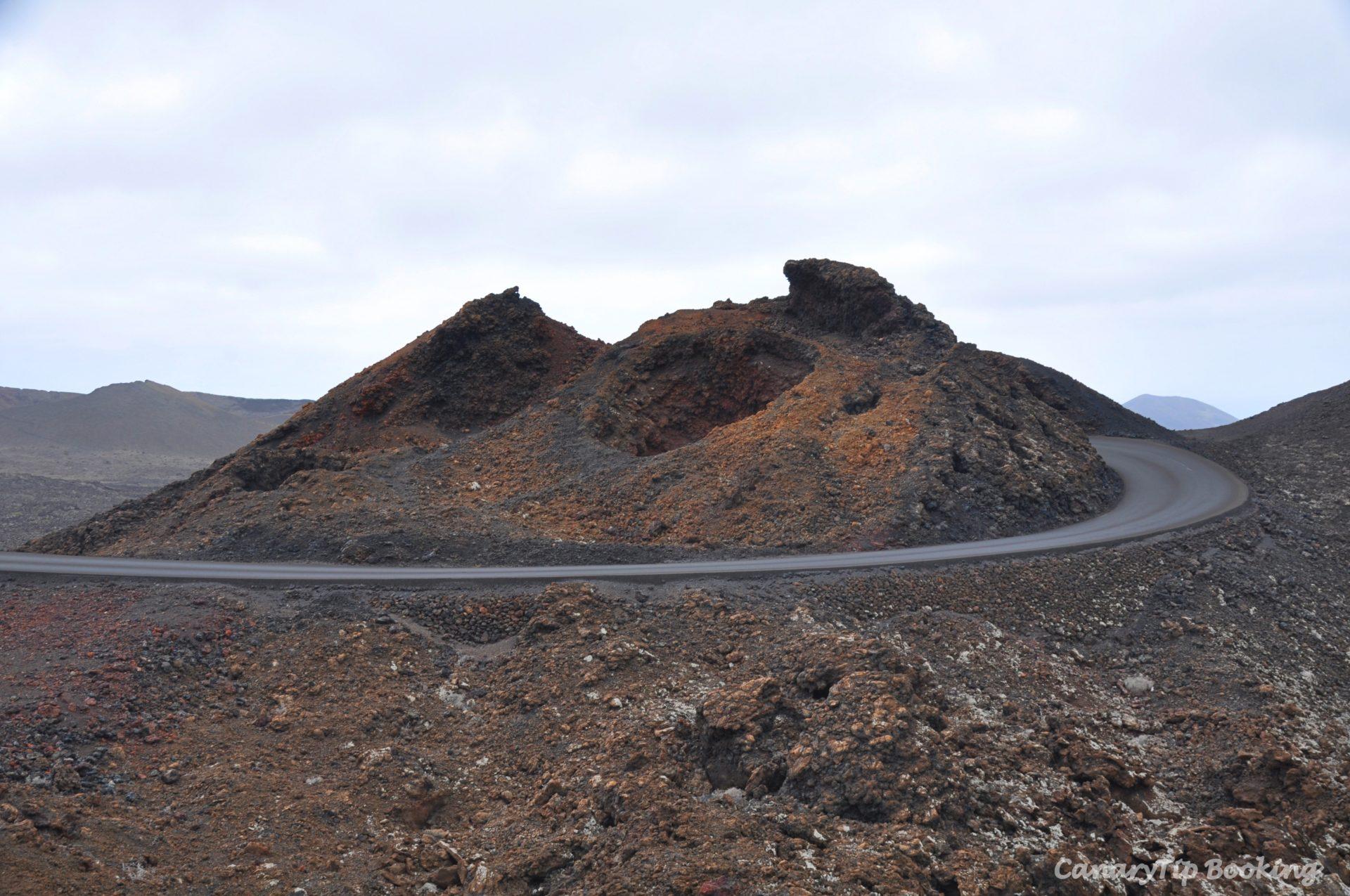 ruta-montañas-del-fuego-timanfaya-lanzarote-canary-trip-booking