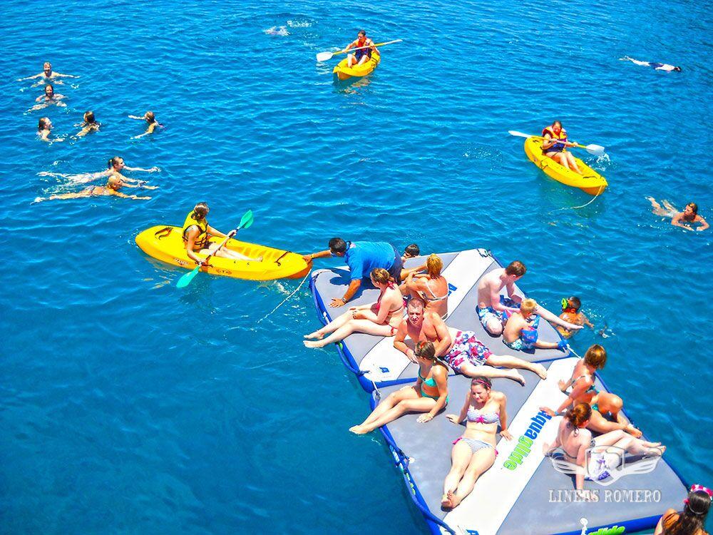 actividades acuáticas kayaks snorkel colchonetas en Lanzarote