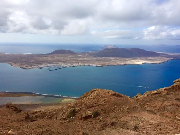 travesia-a-nado-el-rio-la-graciosa-canary-islands